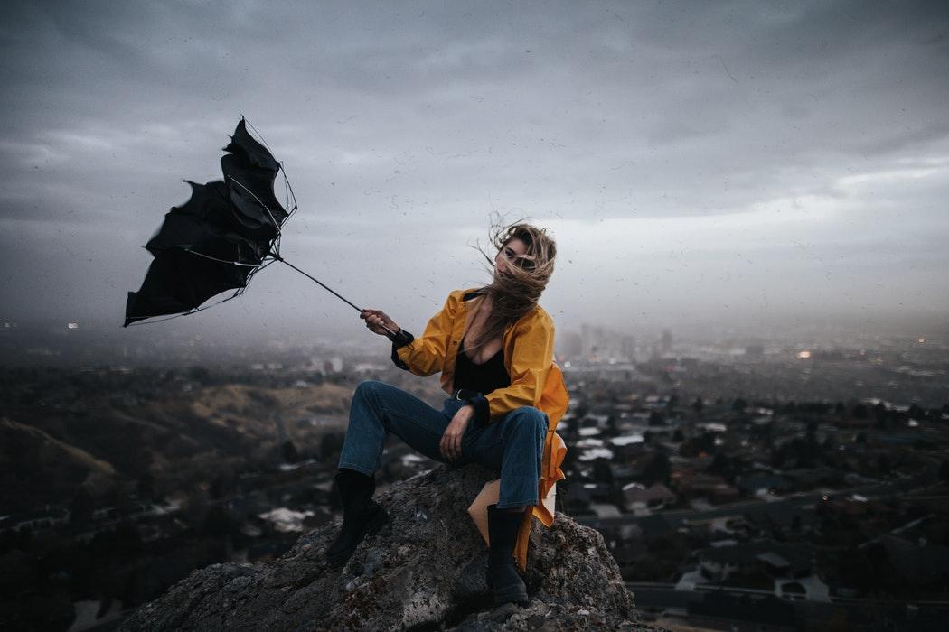 【体験談】登山初心者が富士山に登ったら爆風で飛ばされそうになった